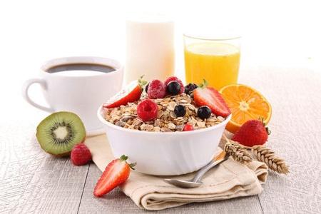 bajar de peso con desayuno