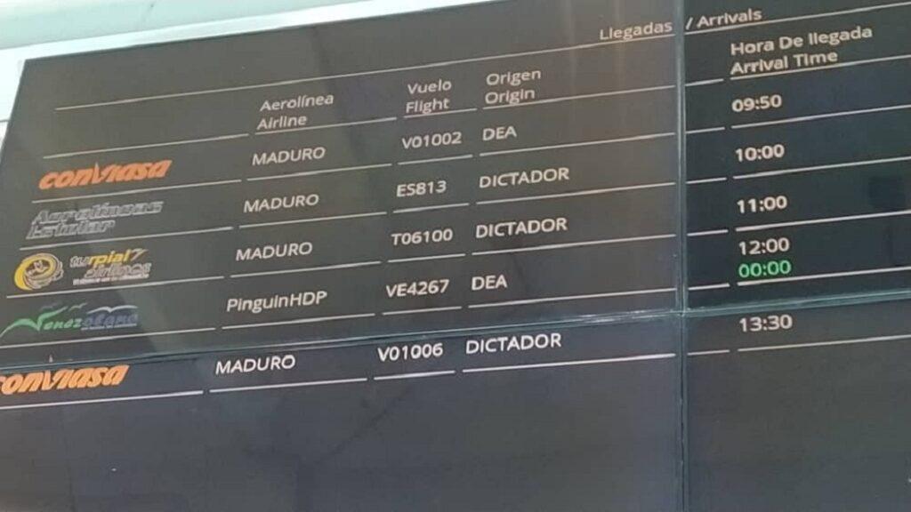 """""""Maduro dictador"""" pusieron en las pantallas del aeropuerto en Maiquetía luego que las hackearan"""